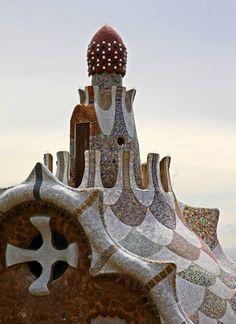 Park Guell by Antoni Gaudi, Barcelona, Spain. Barcelona Architecture, Art Nouveau Architecture, Organic Architecture, Amazing Architecture, Art And Architecture, Architecture Details, Gaudi Mosaic, Antonio Gaudi, Madrid
