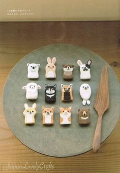 Unique felt crafts projects made easy - Best ideas. Easy Felt Crafts, Felt Diy, Diy And Crafts, Needle Felted Animals, Felt Animals, Needle Felting, Chat Crochet, Crochet Dolls, Felt Dolls
