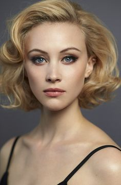 on Canadian actress Sarah Gadon Sarah Gadon. Image courtesy of Universal PicturesSarah Gadon. Image courtesy of Universal Pictures Sarah Gadon, Foto Top, Corte Y Color, Beauty And Fashion, Fashion Women, Canadian Actresses, Great Hair, Woman Face, Lady Face