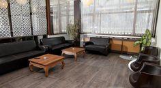 Booking.com: Hotel Class , Brezoi, România - 23 Comentarii clienţi . Rezervaţi-vă camera acum! Eames, Lounge, Chair, Furniture, Home Decor, Airport Lounge, Decoration Home, Room Decor, Home Furnishings