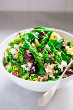 Roasted Asparagus Salad with Israeli cous cous, olives, feta, pine nuts and lemony dressing. Serve warm as a vegetarian side, or chilled as a salad! - - - Maybe with Quinoa instead of Cous Cous. Couscous Recipes, Couscous Salad, Salad Recipes, Pearl Couscous, Vegetarian Recipes, Cooking Recipes, Healthy Recipes, Healthy Snacks, Asparagus Salad