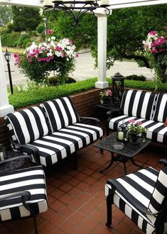 Black Patio Furniture Cushions Backyards New Ideas - Modern White Patio Furniture, Patio Furniture Cushions, Outdoor Furniture Sets, Furniture Ideas, Furniture Design, House Furniture, Outdoor Patio Cushions, Black And White Furniture, Patio Bench