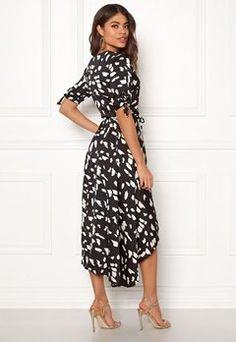 Bubbleroom - Sko & Klær på nett Short Sleeve Dresses, Dresses With Sleeves, Instagram, Fashion, Moda, La Mode, Gowns With Sleeves, Fasion, Fashion Models