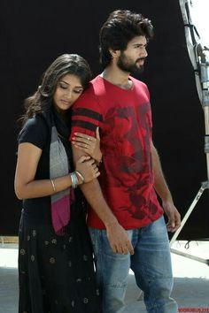 Love Images, Beautiful Images, Famous Indian Actors, Allu Arjun Images, Vijay Actor, Vijay Devarakonda, Bikini Images, Summer Photos, Heroines