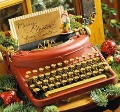 i totally have old vintage typewriters + this is a great idea. Merry Little Christmas, Noel Christmas, Country Christmas, Winter Christmas, All Things Christmas, Vintage Christmas, Christmas Crafts, Christmas Decorations, Xmas
