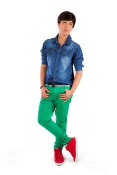 Arco-íris é aposta da Parizi Jeans.