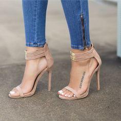 Suede nude sandal