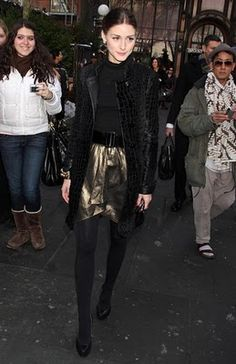 love the monochromatic look with a touch of metallic color on the bottom