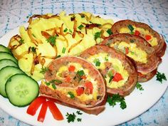 Meatloaf Stuffed with Eggs and Wrapped in Bacon recipe Frozen Vegetables, Mixed Vegetables, Bacon Recipes, Meatloaf Recipes, Beef Wraps, Easter Dishes, Raw Potato, Pork Mince, Beef Steak