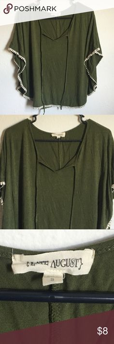Ladies Cute Blouse size Small Beautiful flow to this size small Blouse from Late August Brand Late August Tops Blouses