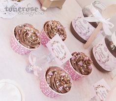Pink princess cupcakes Princess Cupcakes, Pink Princess, Princess Party, Place Cards, Place Card Holders