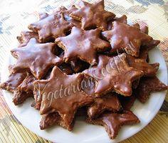 Очень ароматное и вкусное ореховое печенье с корицей и глазурью. Рецепт праздничной выпечки.