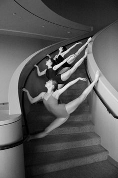 such an incredible dance photo. Never should have quit ballet. Dance Like No One Is Watching, Dance Movement, Ballet Photography, Photography Portraits, Photography Ideas, Dance Poses, Ballet Beautiful, Dance Pictures, Dance Images