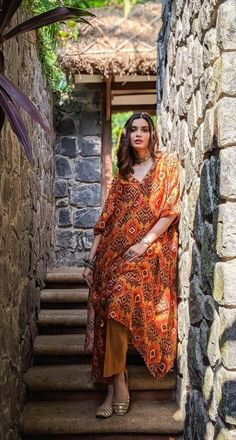 Diana Penty, Kurta With Pants, Ikat Print, Designer Gowns, Occasion Wear, Girls Image, Bollywood Actress, Indian Fashion, Skirt Set