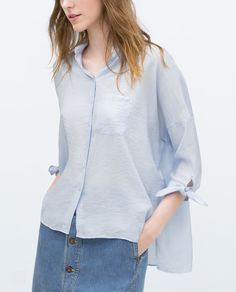 Image 4 of OVERSIZED BLOUSE WITH COMBINED COLLAR from Zara