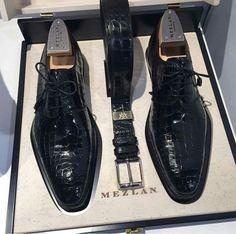 how to dress men Women's Shoes, Mens Shoes Boots, Hot Shoes, Shoe Boots, Shoes Style, Mezlan Shoes, Gentleman Shoes, Simple Shoes, Dream Shoes