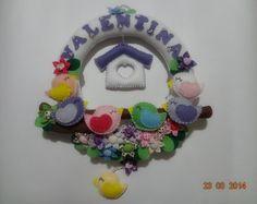Enfeite Porta Maternidade em Feltro Passarinhos  Desenvolvemos outros temas e cores, favor consultar R$ 195,00