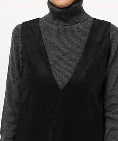 UNRELISH,Vネックジャンスカです。このアイテムを着ているコーディネートを探すこともできます。