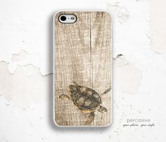 iPhone 5S Case iPhone 6 Case Sea Turtle Wood iPhone von Percasive