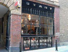Start, loja - são 3 lojas, uma bem pertinho da outra, com moda masculina descolada, moda masculina social e uma com lindas roupas femininas. > 42-44 Rivington St. East Side, London, Bar, Moda Masculina, Shops, Women's Clothes, Men's, London England