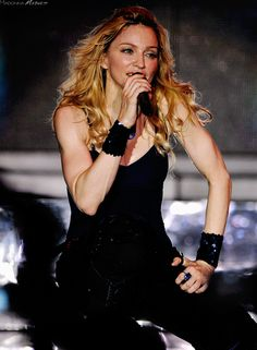 Welcome to Madonna-Madness! your one stop candy shop for the latest and greatest elite Madonna edits. Madonna Photos, Madonna 80s, Best Female Artists, Female Models, Divas Pop, Pop Music Artists, Bae, Still Love Her, Celine Dion