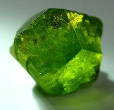 Despujolsite a rare manganese sulfate from the N'Chwaning III Mine, Kalahari Manganese Field, South Africa