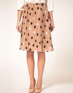 Pleats AND polka dots. Yes!