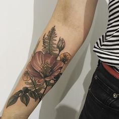 Second tattoo at Thankyou for coming from Norway Heidi! You're a proper ledge! Girly Tattoos, Little Tattoos, Love Tattoos, Beautiful Tattoos, Floral Tattoos, Upper Arm Tattoos, Forearm Tattoos, Body Art Tattoos, Piercings