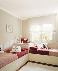 Moldura blanca para habitación infantil