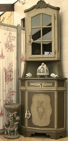les secrets pour peindre un meuble ancien et le patiner d co pinterest meubles anciens. Black Bedroom Furniture Sets. Home Design Ideas
