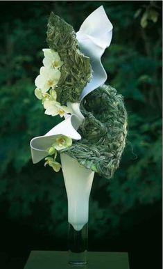 Another floral magician at work - Marie-Francoise Deprez. Art Floral, Floral Design, Ikebana Arrangements, Floral Arrangements, Flower Arrangement, Flower Show, Flower Art, Instalation Art, Ephemeral Art