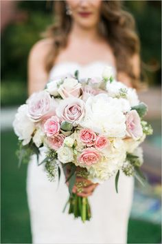 Lush and full white and pink wedding bouquet @weddingchicks