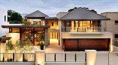 Small luxury modern house designs small luxury house plans together with efficient Cool House Designs, Modern House Design, Facade Design, Exterior Design, Roof Design, Luxury Modern Homes, House Plans With Photos, Facade House, House Facades