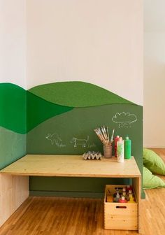 kids art area It would be fun to do something like this in the kids' room Kids Corner, Room Corner, Art Corner, Corner Desk, Kids Art Area, Casa Kids, Kid Desk, Animal Decor, Black Decor