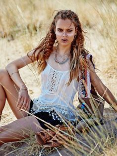Zosia Nowak stars in Elle Greece's September 2015 cover shoot featuring western trends [editorial]