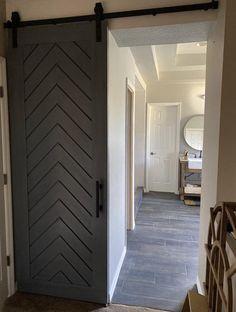 Modern Sliding Doors, Interior Sliding Barn Doors, Sliding Closet Doors, Modern Closet Doors, Modern Interior Doors, Sliding Door Wardrobe Designs, Interior Door Styles, Barn Door Closet, Chevron Door