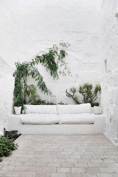 Backyard luxury patio interior design ideas for 2019 Outdoor Rooms, Outdoor Gardens, Outdoor Living, Outdoor Seating, Backyard Seating, Outdoor Sofa, Rooftop Gardens, Patio Bench, Patio Wall