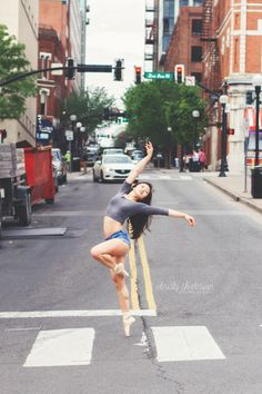 Downtown Nashville Dance Photoshoot | Pointe | Dancer | Christy Shaterian Photography
