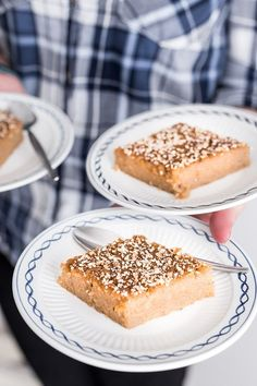 Burmese Semolina Cake (Shwegyi Sanwei Makin) is rich, moist, subtly sweet. A mouthwatering South-East Asian dessert with hints of coconut. Burmese Desserts, Asian Desserts, Sweet Desserts, Burmese Recipes, Burmese Food, Semolina Cake, Quick Snacks, Yummy Snacks, Yummy Food