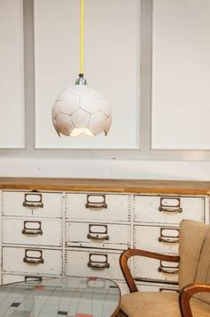 Hottest Screen Wednesday find: hanging lamps made from old soccer balls Style Got kids ? Then you know that their stuff winds up actually all over the home! But if you set up a Soccer Bedroom, Bean Bag Seats, Printed Curtains, Teenage Room, Colourful Cushions, Decorative Cushions, Kids Decor, Wall Design, Interior Architecture