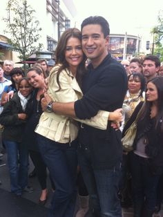 Mario Lopez on the Extra set