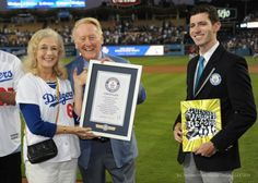 Vin Scully being given a Guinness World Record plaque.     ***   Dodgers Blue Heaven: Sunday Dodger Videos: Scully, Ayala with Hairston and Don Rickles