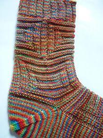 """... so heißt die Socke aus dem """"Kunterbunten"""" selbstgefärbten Strang.                      Die Idee für diese Socke kam mi..."""