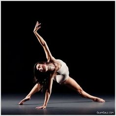 17 Cool Images of Ballet Poses For Photography. Awesome Ballet Poses for Photography images. Beautiful Ballet Dance Poses Different Ballet Poses Ballet Dance Photography Poses Different Types of Ballet Dance Photography Poses Dance Picture Poses, Dance Photo Shoot, Dance Photos, Dance Pictures, Photo Poses, Photo Shoots, Dancers Pose, Ballet Dancers, Dance It Out