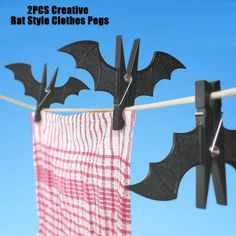 2PCS Creative Bat Style Pegs Clothes Clips Home Supply