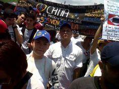 ¡Catia presente! TODA Caracas volcada en apoyo a los estudiantes. ¡NO MÁS REPRESIÓN, NO MÁS IMPUNIDAD! pic.twitter.com/pdlJJFKYGS 12-03-2014