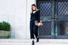 All black outfit. All Black Outfit, Normcore, Street Style, Chic, Outfits, Fashion, Shabby Chic, Moda, Suits