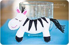 cute inspiration - felt zebra (From Craft & Creativity)