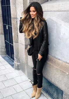 All black on a cloudy day // wearing leather jacket & jeans 🍁 Fall Outfits, Casual Outfits, Fashion Outfits, Ombre Hair, Balayage Hair, Bayalage, Love Fashion, Autumn Fashion, Botas Sexy