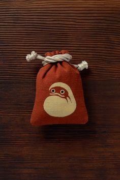 string purse by ponpindo, japan